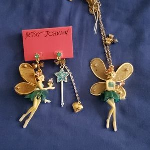 Betsey johnson earrings and necklace